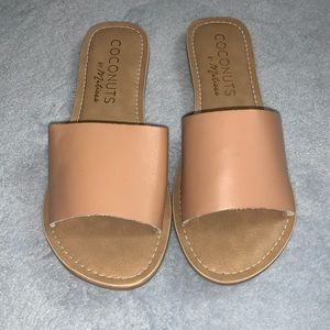 NWT Coconuts by Mattise sandals size 9